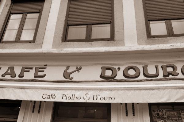 Cafe Ancora D'ouro Porto Portugal