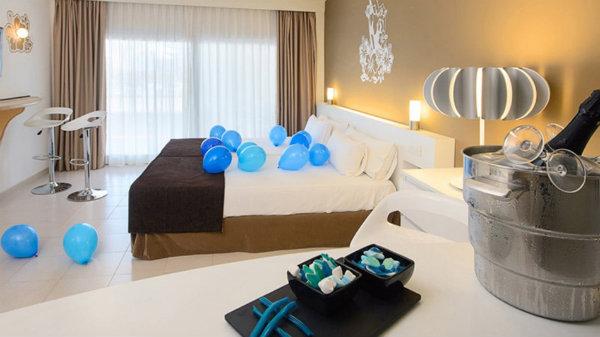 Social Media Hotels: Sol Wave House