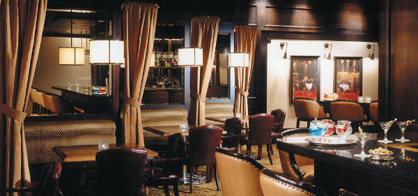 Fairmont The Queen Elizabeth Montreal Bar