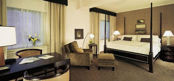 Fairmont The Queen Elizabeth Montreal Gold Suite