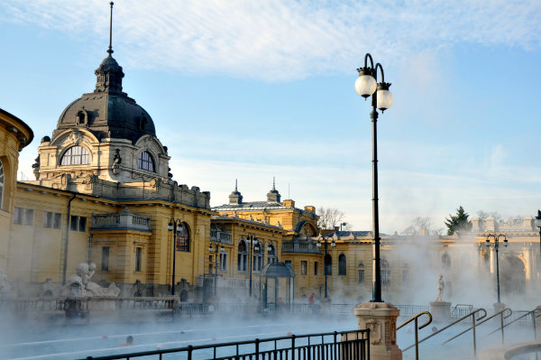 A Guide To The Thermal Baths In Budapest By Elle Croft - The 5 best thermal baths in budapest