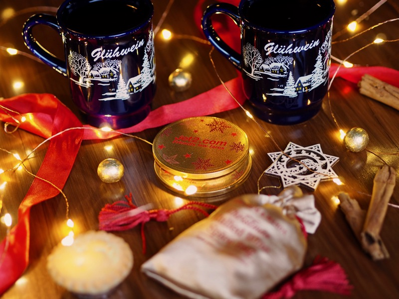 Mulled Wine Christmas Market.European Christmas Markets How To Recreate Them At Home